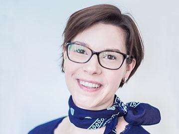 Katja Schmidt-Honigmann bei den Zahnärzten in Sundern: Egenolf & Schlotmann